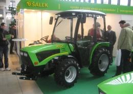Design traktoru - podpora sériové výroby